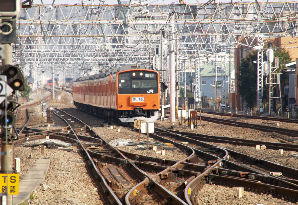 以前中央線を走っていたオレンジ色の電車
