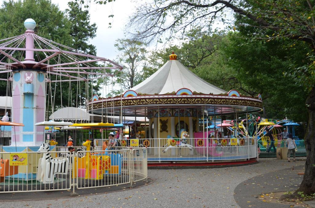 吉祥寺 井の頭自然文化園 遊園地のメリーゴーランド