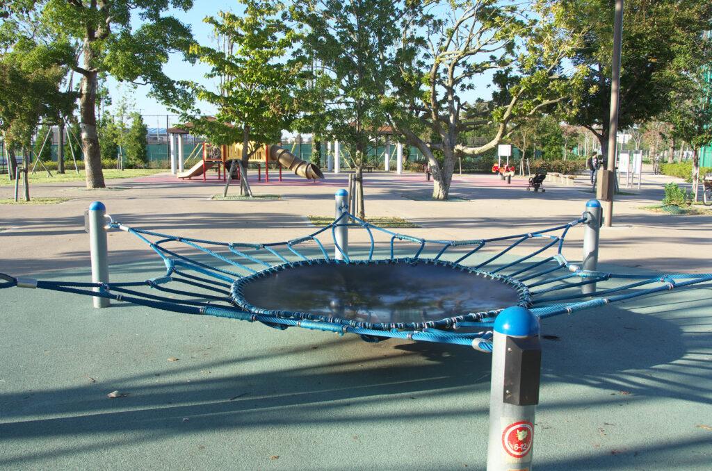 三鷹 武蔵野の森公園 遊具広場
