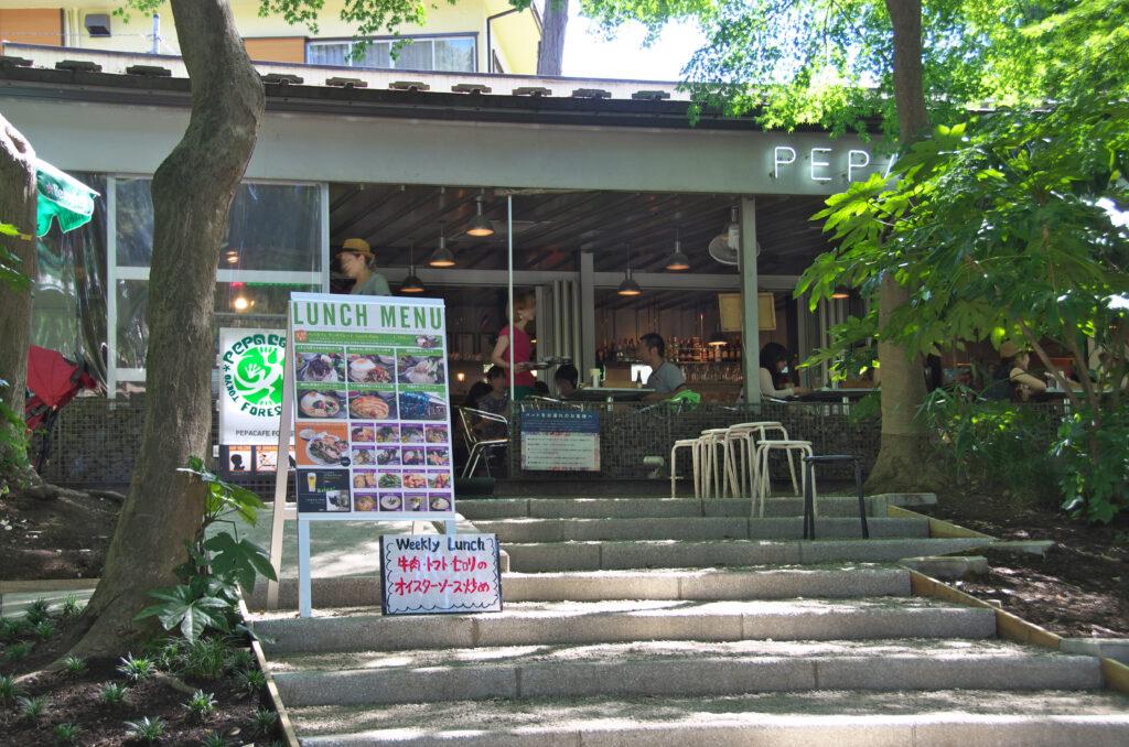 井の頭公園 池に面したカフェ