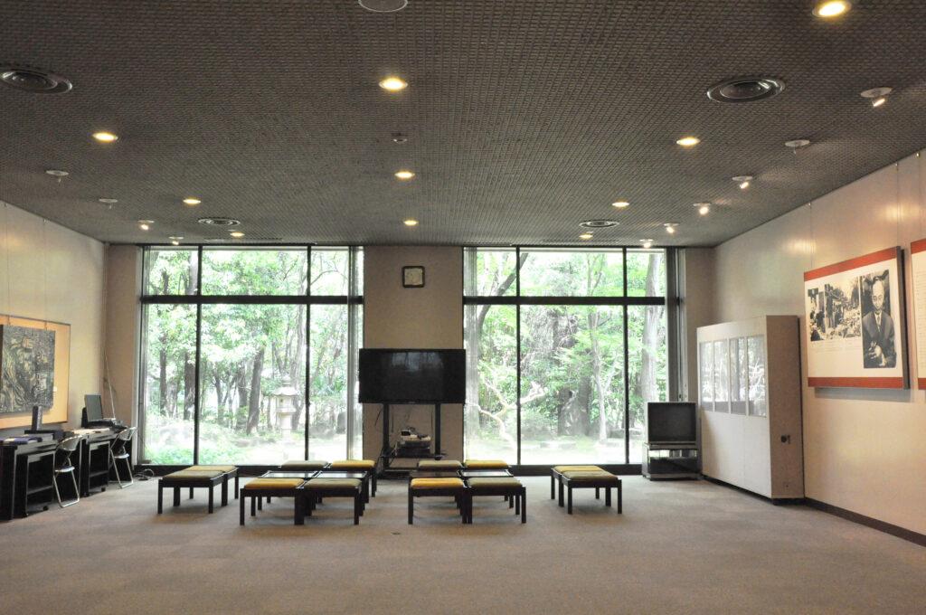 三鷹 ICU 湯浅八郎記念館 1階ホール