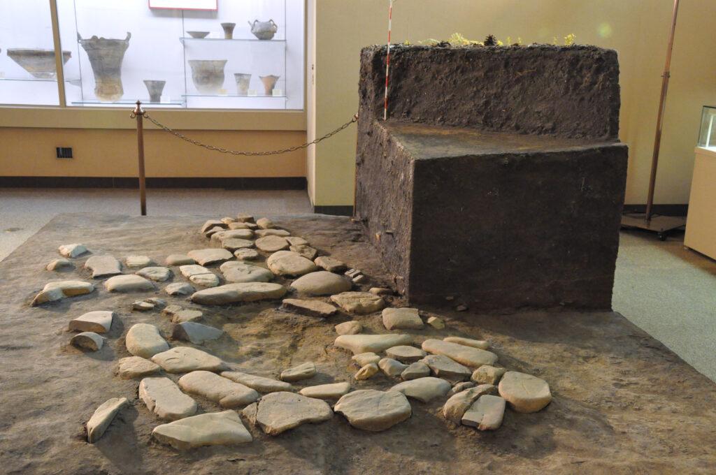 三鷹 ICU 湯浅八郎記念館 大学構内で発掘された敷石住居址